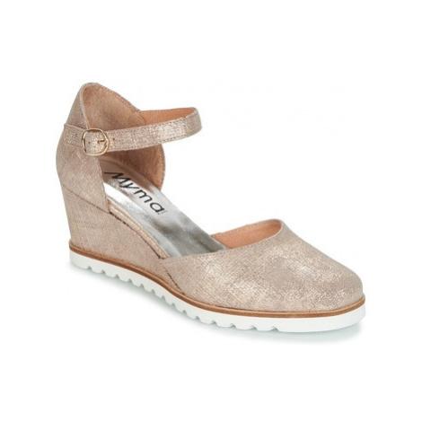 Myma FIORTEL women's Court Shoes in Gold