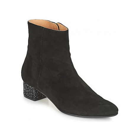 Emma Go CARRIE women's Low Ankle Boots in Black