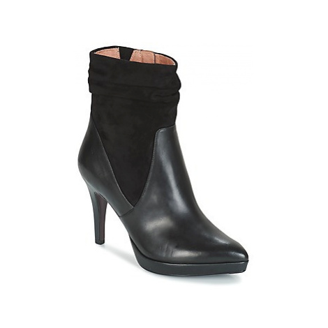 Tamaris ROSI women's Low Ankle Boots in Black
