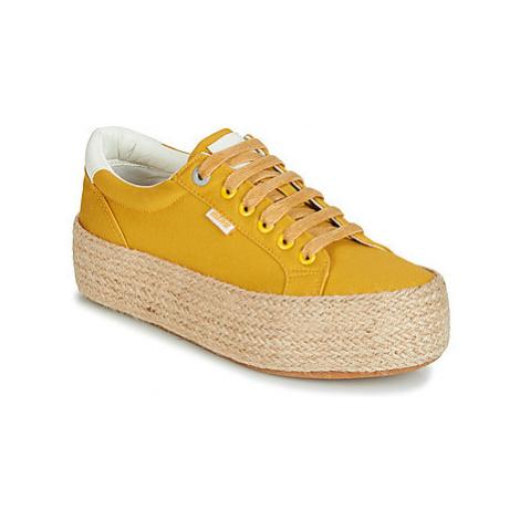 MTNG WANDA women's Shoes (Trainers) in Yellow
