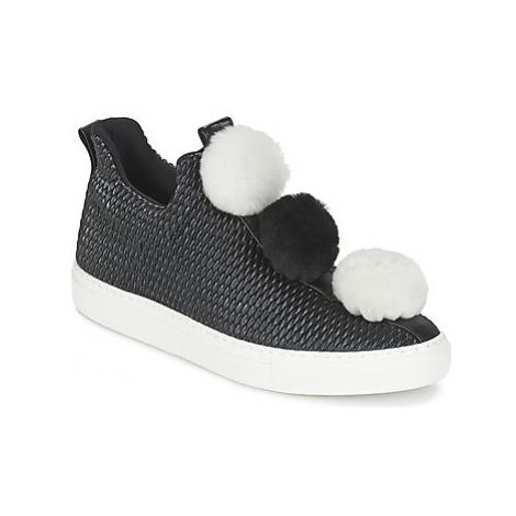 Minna Parikka POM POM women's Shoes (Trainers) in Black
