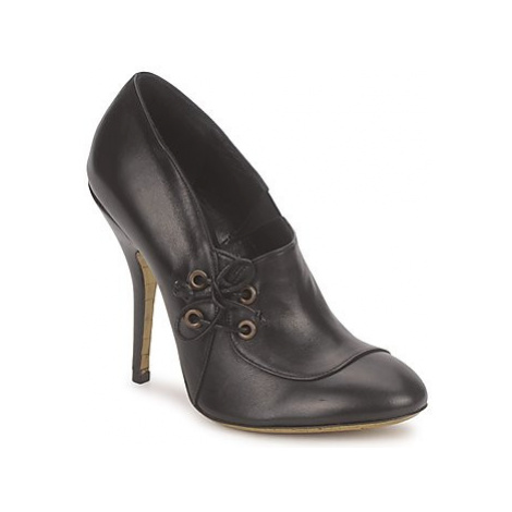 Gaspard Yurkievich C1-VAR1 women's Court Shoes in Black