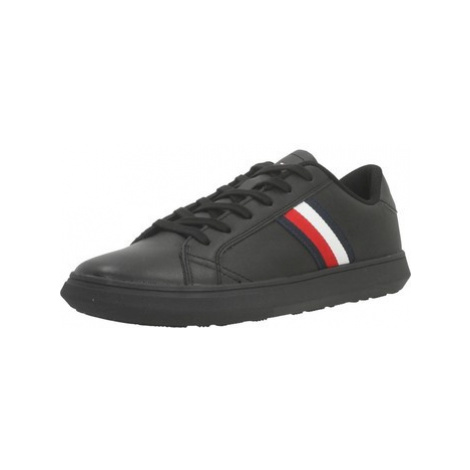 Tommy Hilfiger FM0FM02388 men's Shoes (Trainers) in Black
