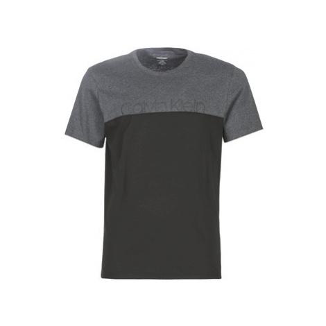 Calvin Klein Jeans 000NM1583E-040 men's T shirt in Grey
