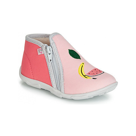 Pink baby girls' shoes
