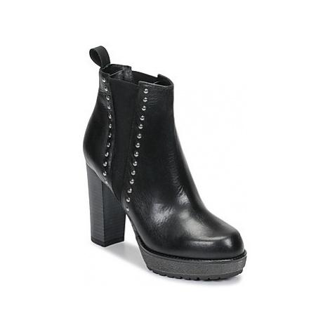 Sweet Lemon SAKHITA women's Low Ankle Boots in Black