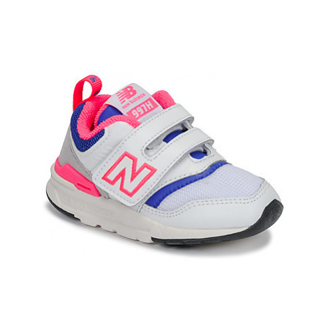 New Balance IZ997 girls's Children's Shoes (Trainers) in White