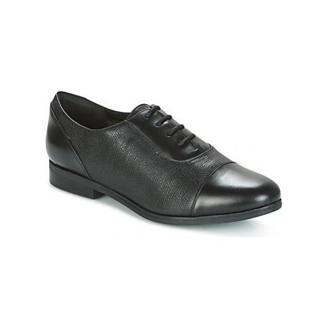 Clarks TILMONT IVY women's Smart / Formal Shoes in Black
