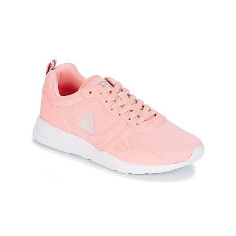 Le Coq Sportif LCS R600 W METALLIC MESH/S NUBUCK women's Shoes (Trainers) in Pink