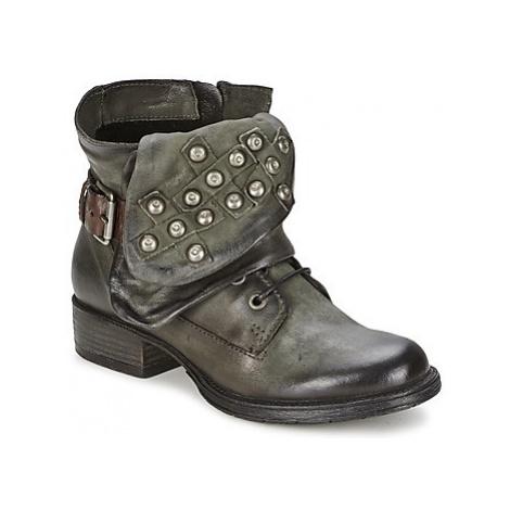 Dream in Green TAWFIQ women's Mid Boots in Grey