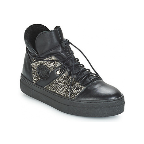 Pataugas Whip women's Shoes (High-top Trainers) in Black