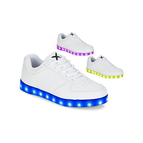 Wize Ope THE LIGHT women's Shoes (Trainers) in White Wize & Ope