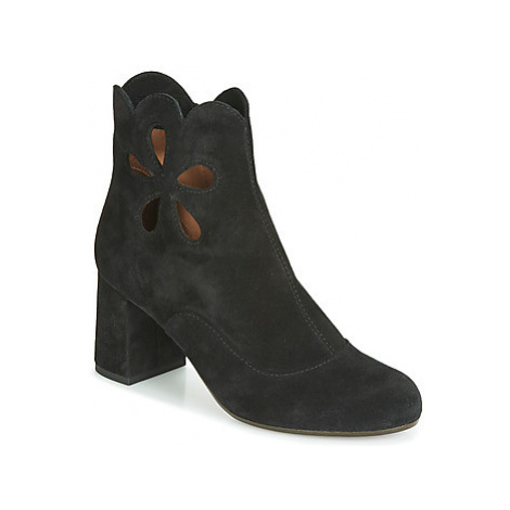 Chie Mihara MODRA women's Low Ankle Boots in Black