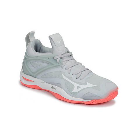 Mizuno WAVE MIRAGE 3 women's Indoor Sports Trainers (Shoes) in Grey