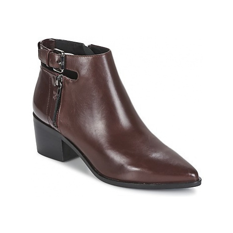 Geox LIA B women's Low Ankle Boots in Brown