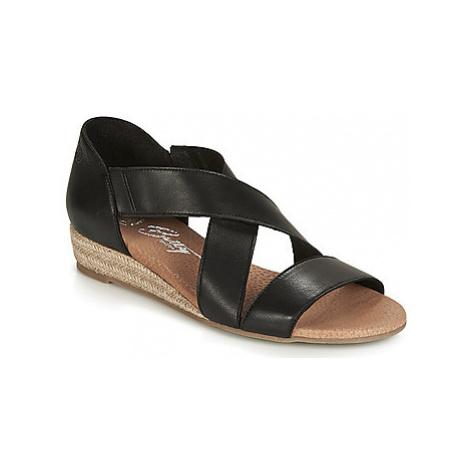 Betty London JIKOTE women's Sandals in Black