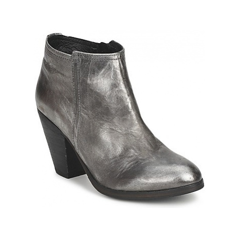 Koah LALY women's Low Ankle Boots in Silver