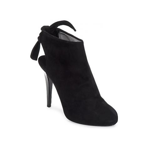 Michael Kors 17124 women's Low Boots in Black