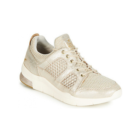 Mustang 1305304-482 women's Shoes (Trainers) in Gold