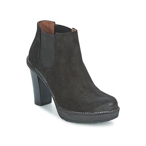 Casual Attitude REVEZE women's Low Boots in Black