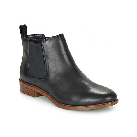 Clarks TAYLOR SHINE women's Mid Boots in Black