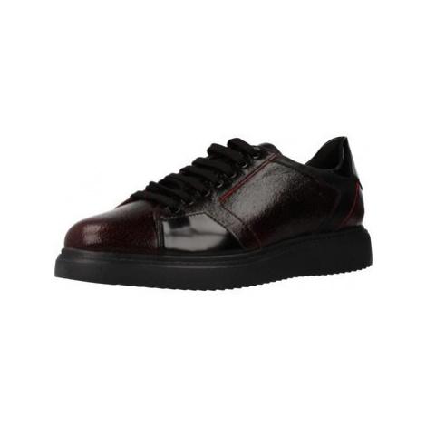 Geox D THYMAR women's Shoes (Trainers) in Purple