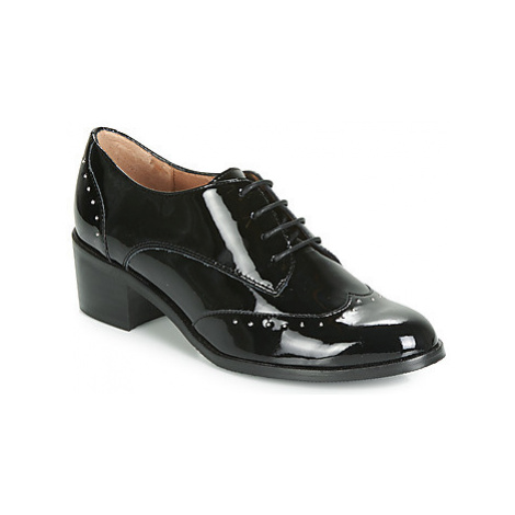 Karston HILIOT women's Casual Shoes in Black