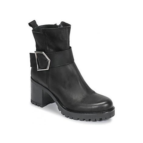 Sweet Lemon PIRLOU women's Low Ankle Boots in Black