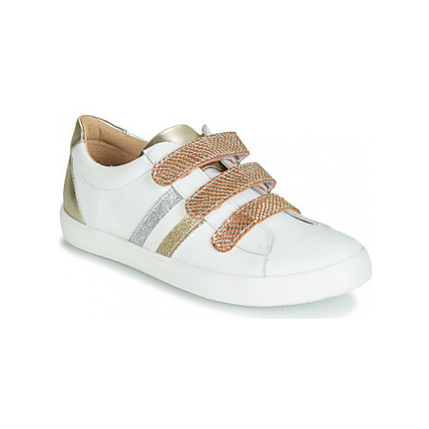 GBB MADO girls's Children's Shoes (Trainers) in White