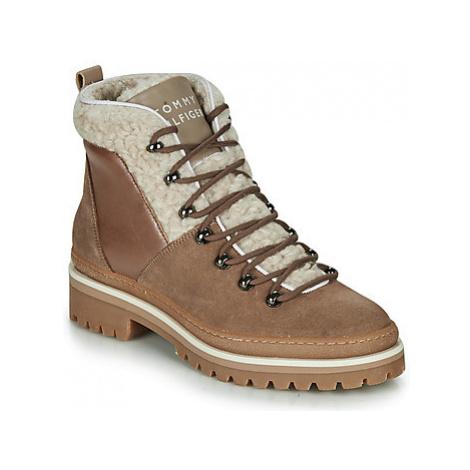 Tommy Hilfiger COSY OUTDOOR BOOTIE women's Mid Boots in Beige