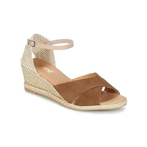 So Size FOROCIN women's Sandals in Brown