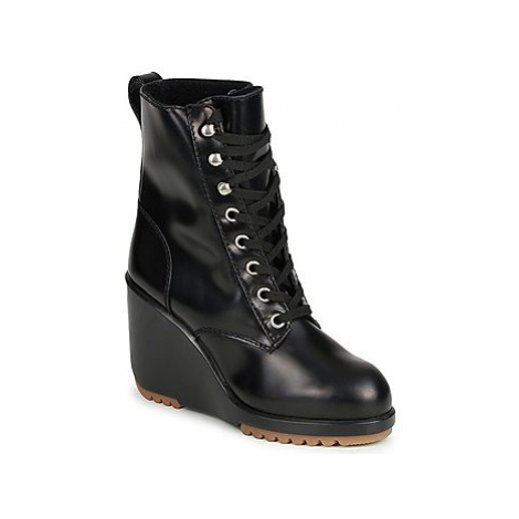 Marc Jacobs MJ19142 women's Low Ankle Boots in Black