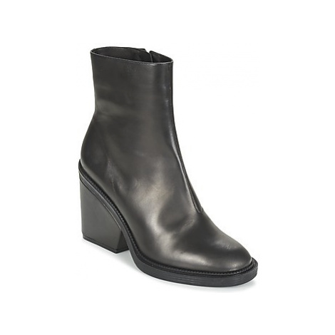 Robert Clergerie BABE women's Low Ankle Boots in Black