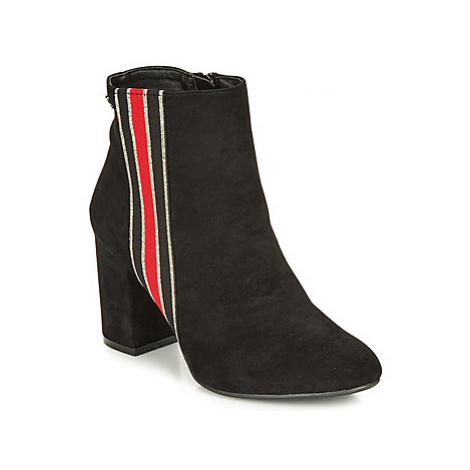 Refresh 69113-BLACK women's Low Ankle Boots in Black
