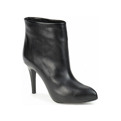 Michael Kors DIAMANTE women's Low Ankle Boots in Black