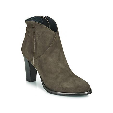 Myma PELMA women's Low Ankle Boots in Kaki