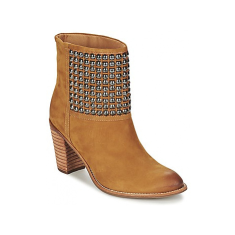 Dumond GUOUZI women's Low Ankle Boots in Brown