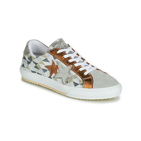 Mustang 2874302-937 women's Shoes (Trainers) in White