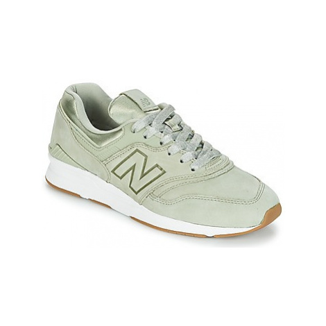 New Balance WL697 women's Shoes (Trainers) in Green