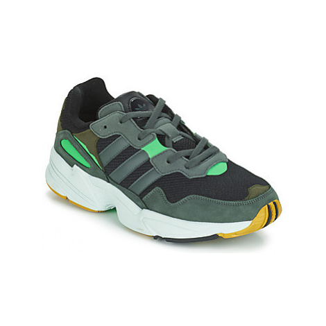 Adidas YUNG 96 men's Shoes (Trainers) in Grey