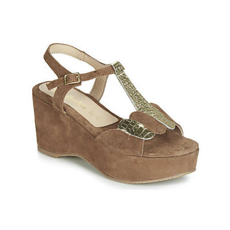 Lola Espeleta NAWELLE women's Sandals in Brown