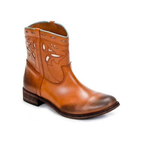 Strategia PONCHO women's Mid Boots in Brown