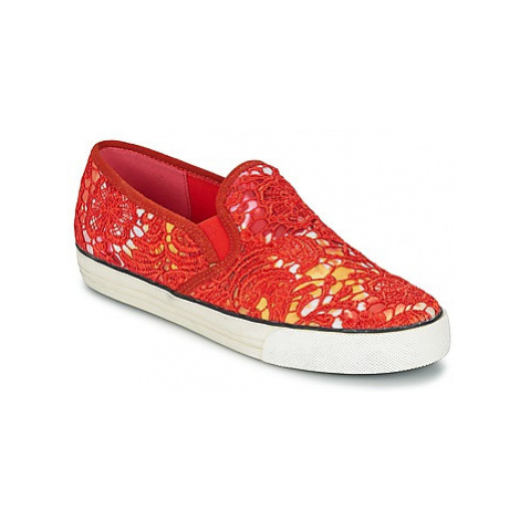Colors of California LACE SLIP women's Slip-ons (Shoes) in Red