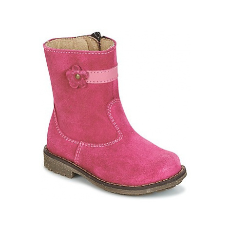Pink girls' winter shoes
