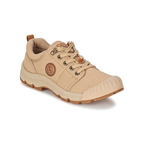 Aigle TENERE LIGHT LOW W CVS women's Shoes (Trainers) in Beige