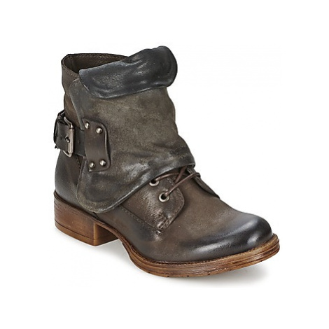 Dream in Green SALMAN women's Mid Boots in Brown