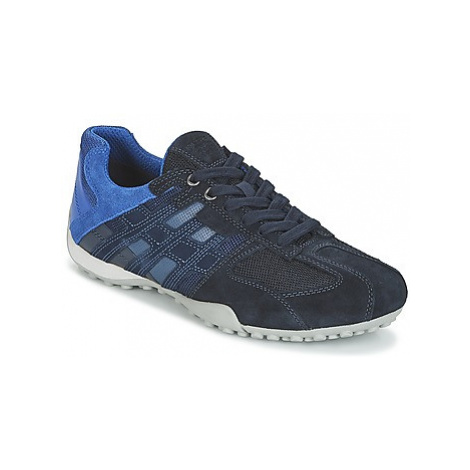 Geox U SNAKE E men's Shoes (Trainers) in Blue
