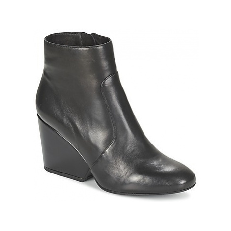 Robert Clergerie TOOTS women's Low Ankle Boots in Black