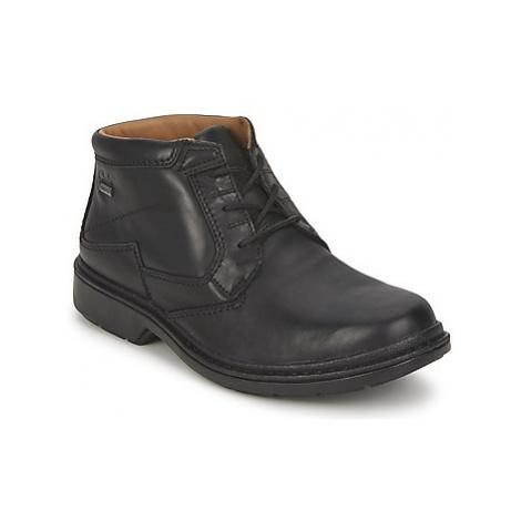 Clarks WATERPROOF ROCKIE men's Mid Boots in Black