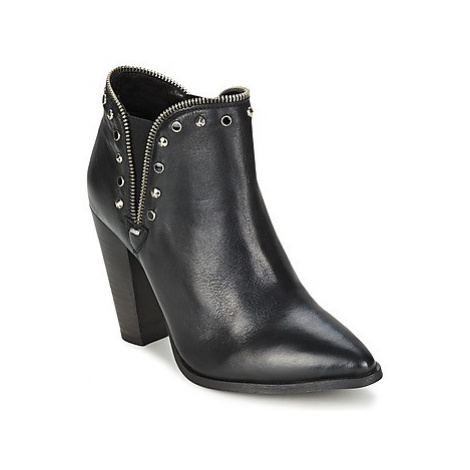 Koah YETTA women's Low Boots in Black